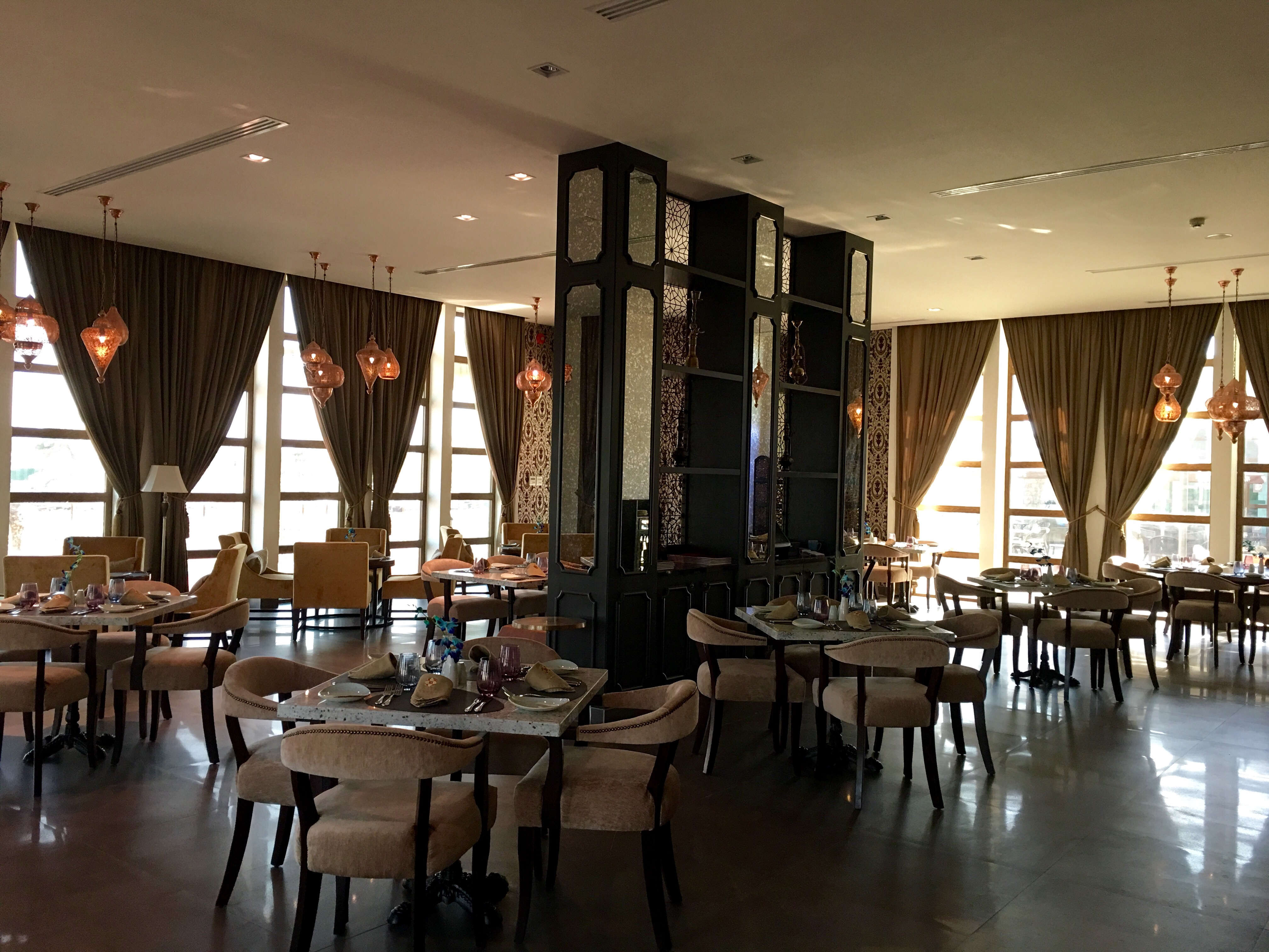 The Interiors Of Yansoon Is Classy And Regal Decor Done Up Tastefully From Gorgeous Chandeliers Upholstery To Beautiful Furniture Tableware