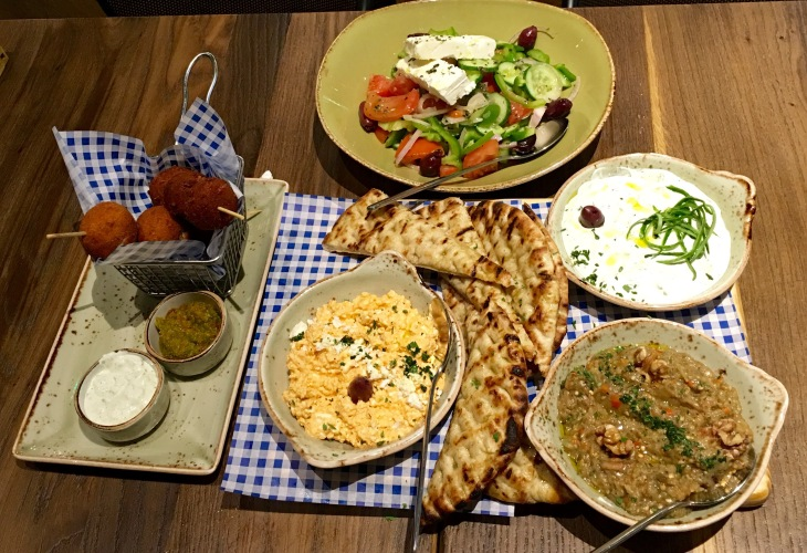 Cold and hot Greek appetizers