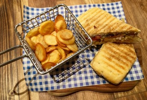 Spicy Halloumi Sandwich