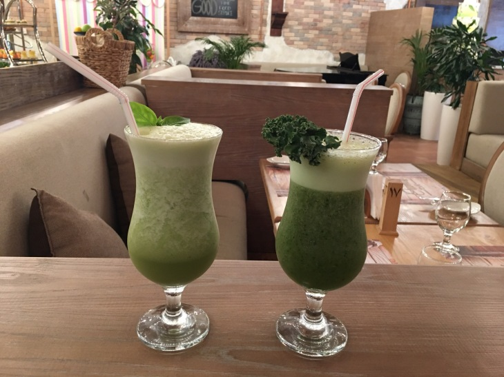 Kale and basil drink