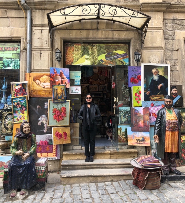 Shoppers in Baku